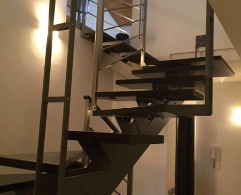 realizzazione scala acciaio inox