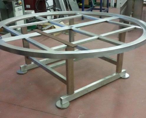 Realizzazione tavoli acciaio inox