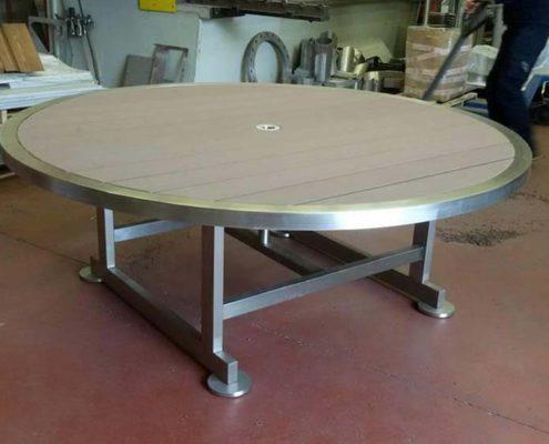 Realizzazione tavoli giardino acciaio inox